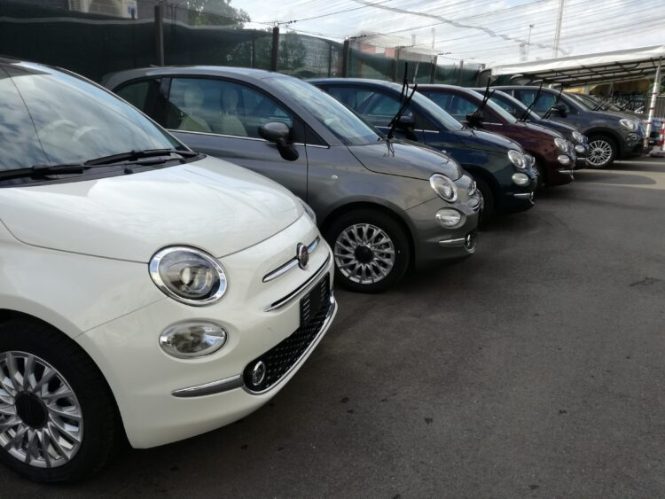 FIAT 500 1.2 LOUNGE SERIE 7 TETTO PANORAMA APRIBILE KM ZERO PREZZO REALE